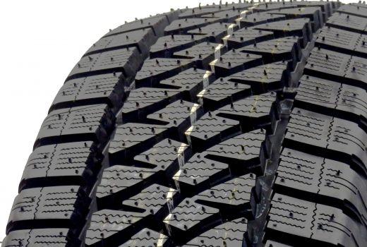 Bridgestone Blizzak W810 205/70 R15